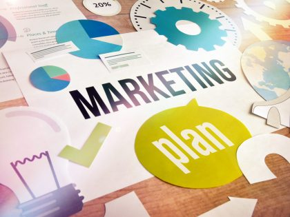 ¿Cómo seleccionar una escuela donde estudiar un máster de marketing online?